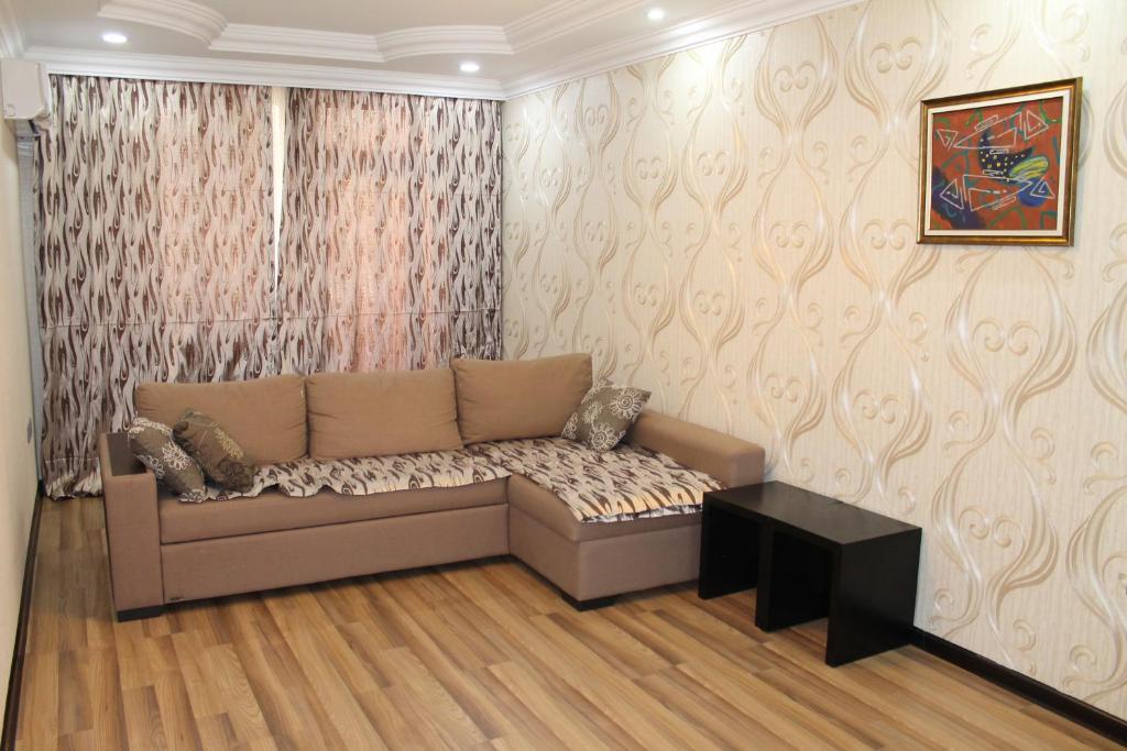 Apartments on Aliyar Aliyev Street