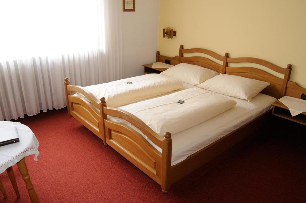 Hotels In Schwarzach Am Main Deutschland