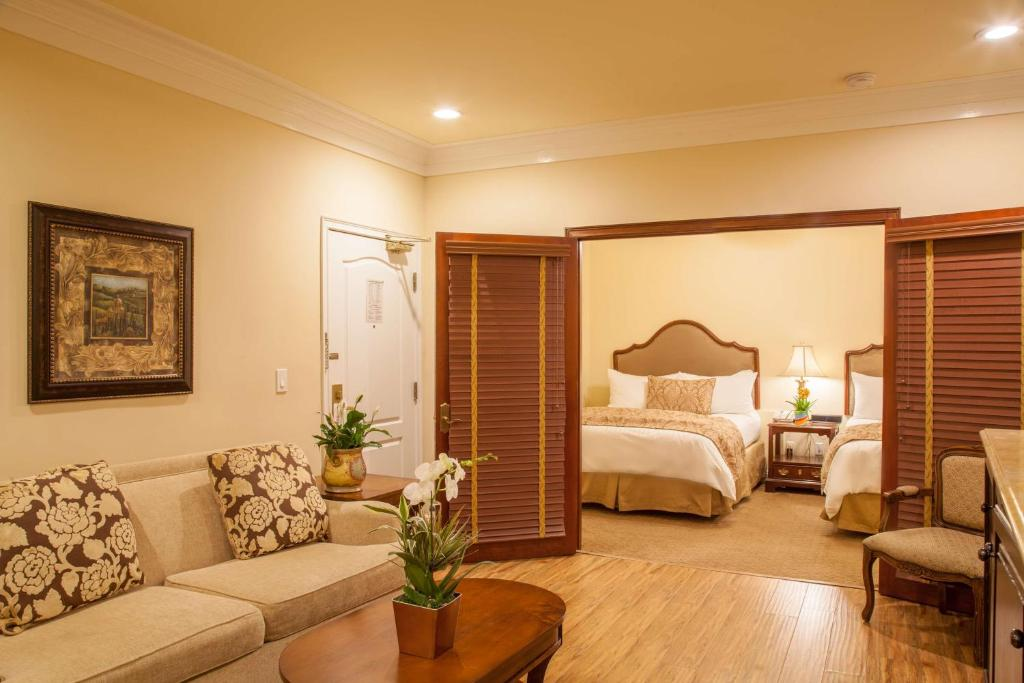 Best Western Plus Sunset Plaza Hotel Photo #1
