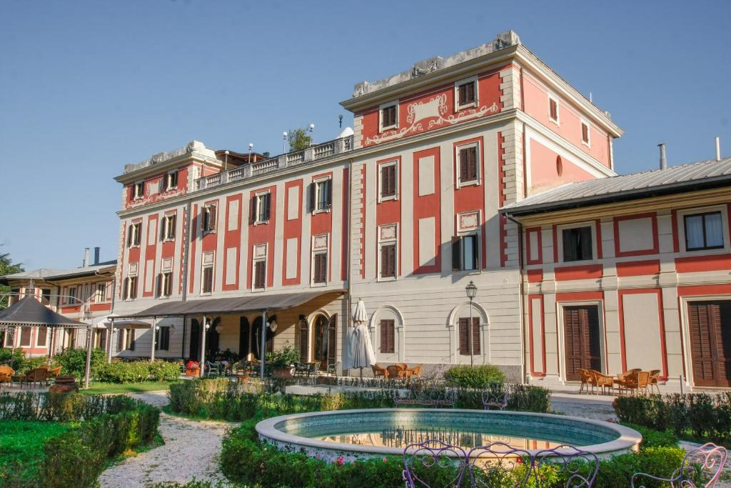 Villa Potenziani Piscina