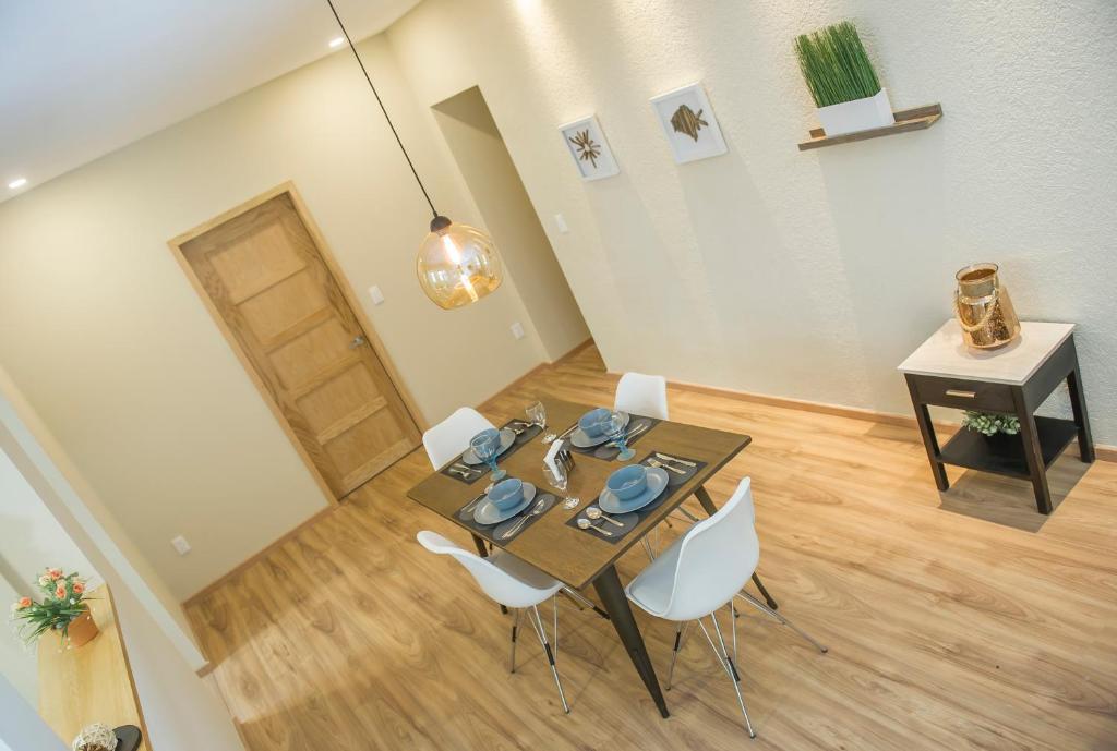 Casa Donceles Penthouse1 Hermoso, acogedor, ubicación inmejorable, sanitizado! 9 min del Zócalo, 4 min del Palacio Bellas Artes, WiFi gratis!!