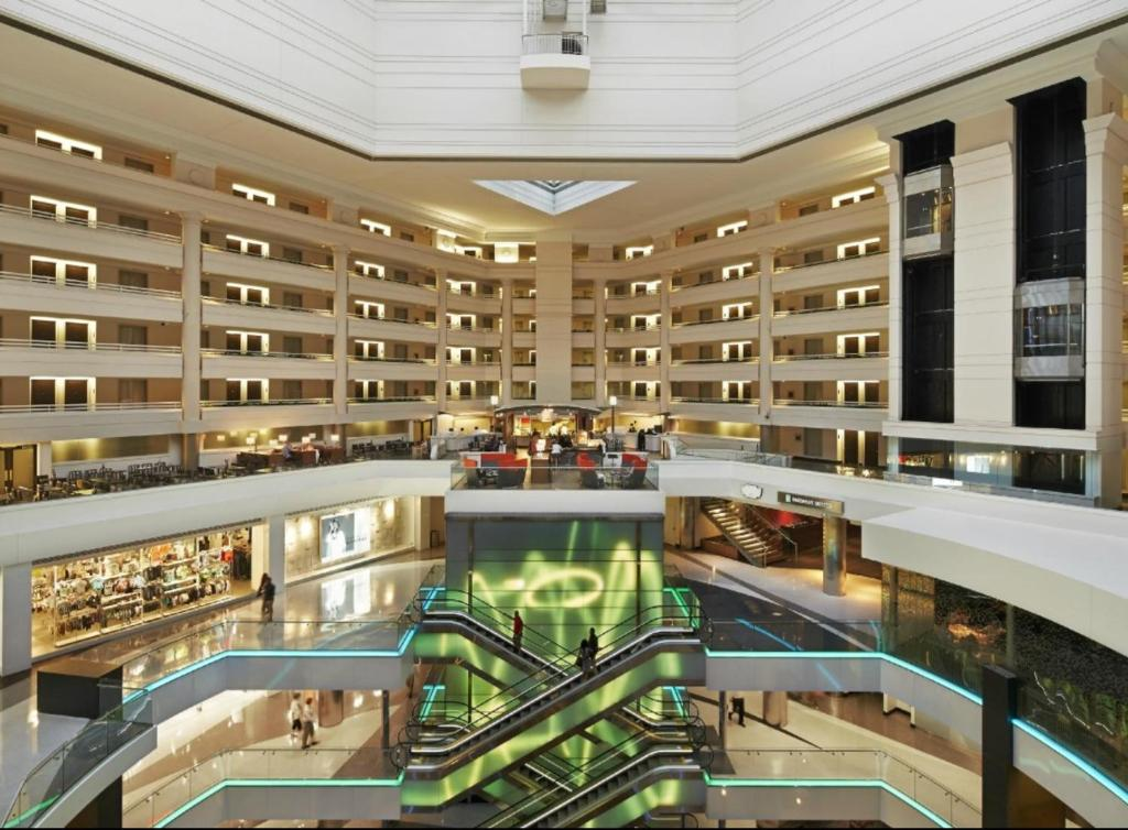 Embassy Suites Washington D.C. - at the Chevy Chase Pavilion Photo #1