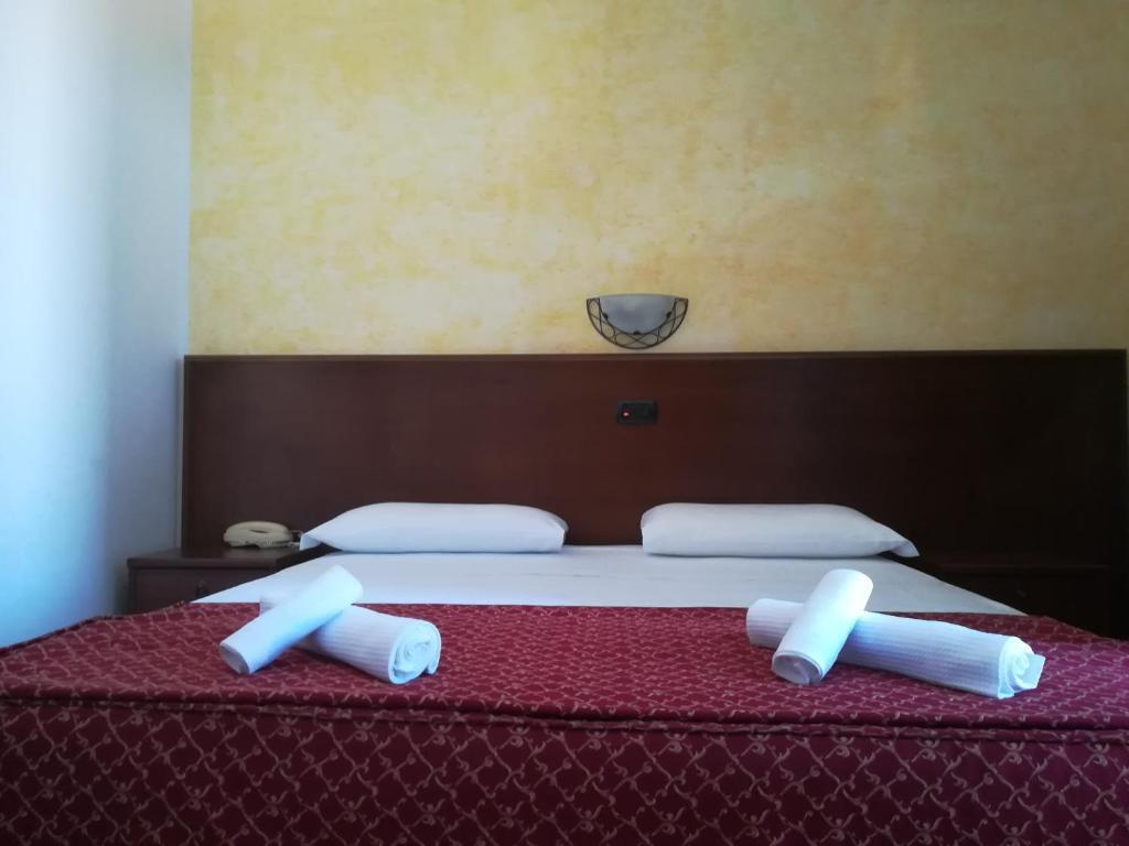 Singola Con Letto Matrimoniale.Hotel Villa Aniana Massignano Affari Imbattibili Su Agoda Com
