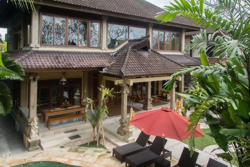 Lily Lane Villas