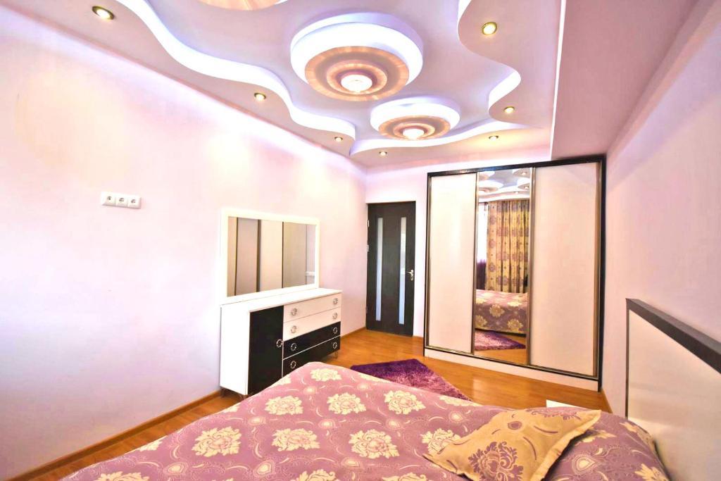Three Rooms Center Yerevan 6