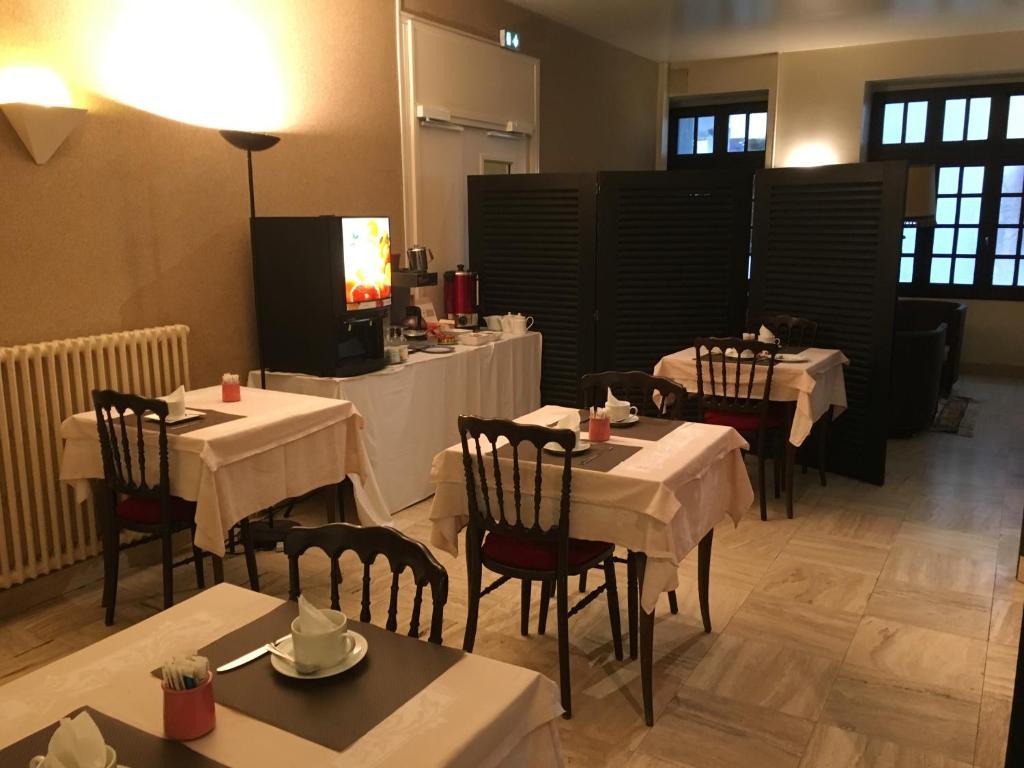 hotel des 3 marchands nantes reserve o seu hotel com viamichelin. Black Bedroom Furniture Sets. Home Design Ideas