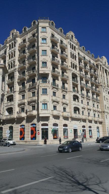 Uzeyir Hacibeyov avenue