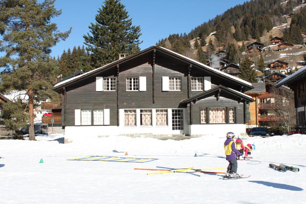 Six-Bedroom Chalet (12 Adults)