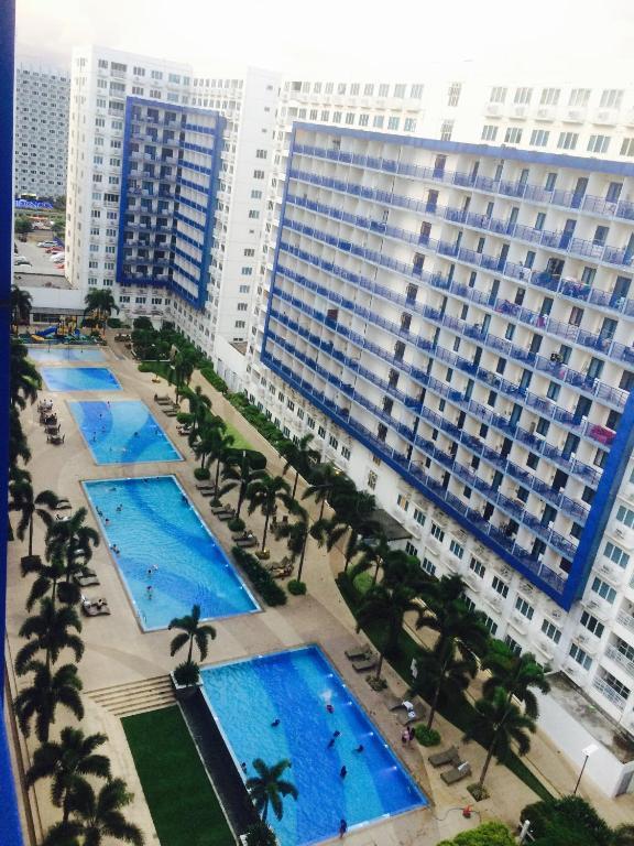 Sea Residences MOA-Eric Apartments