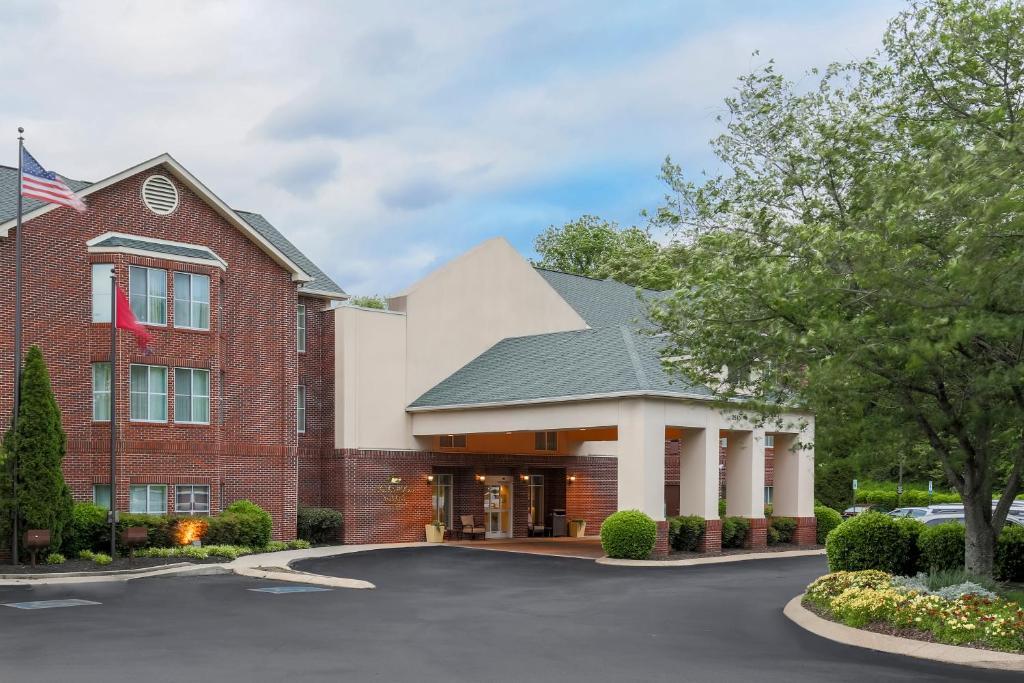 Homewood Suites Nashville Airport