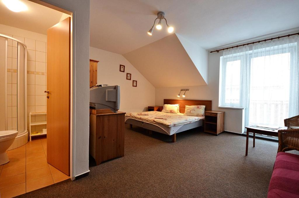 Triple Room with Balcony Pension Karin