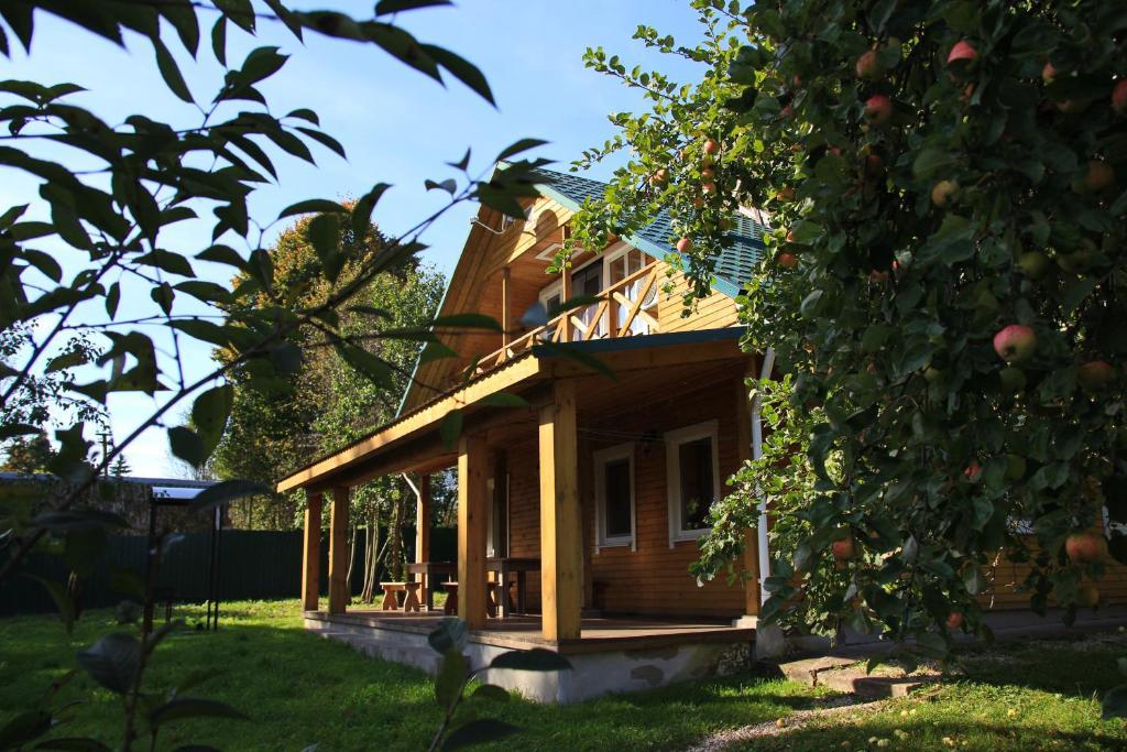 Cottage in Sharobyki