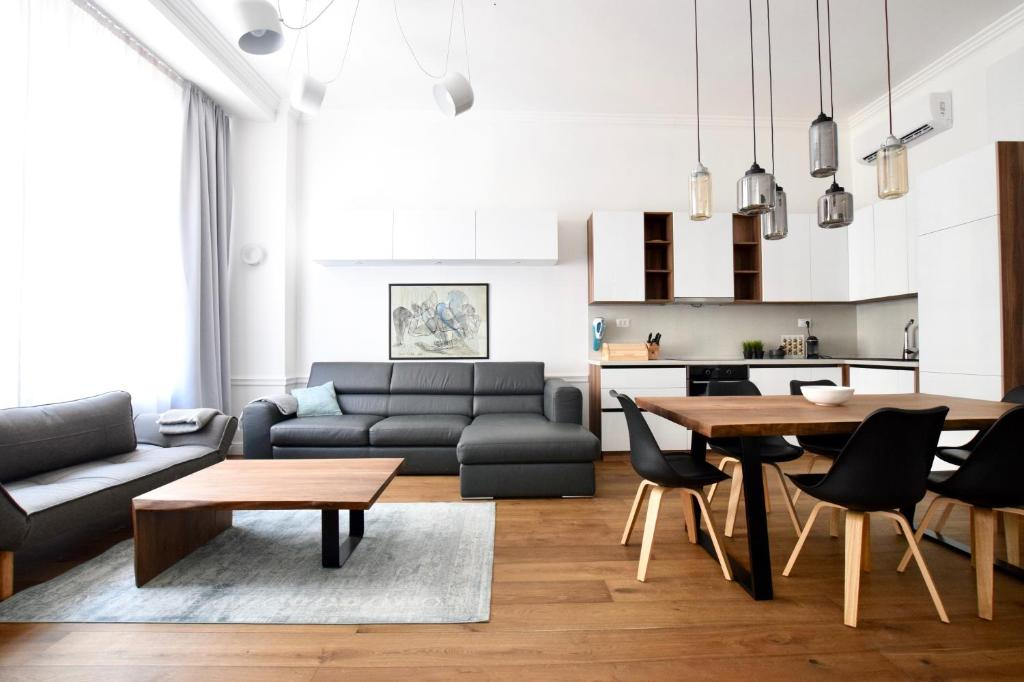 Luxury Apartment by Hi5 - Budapest Broadway