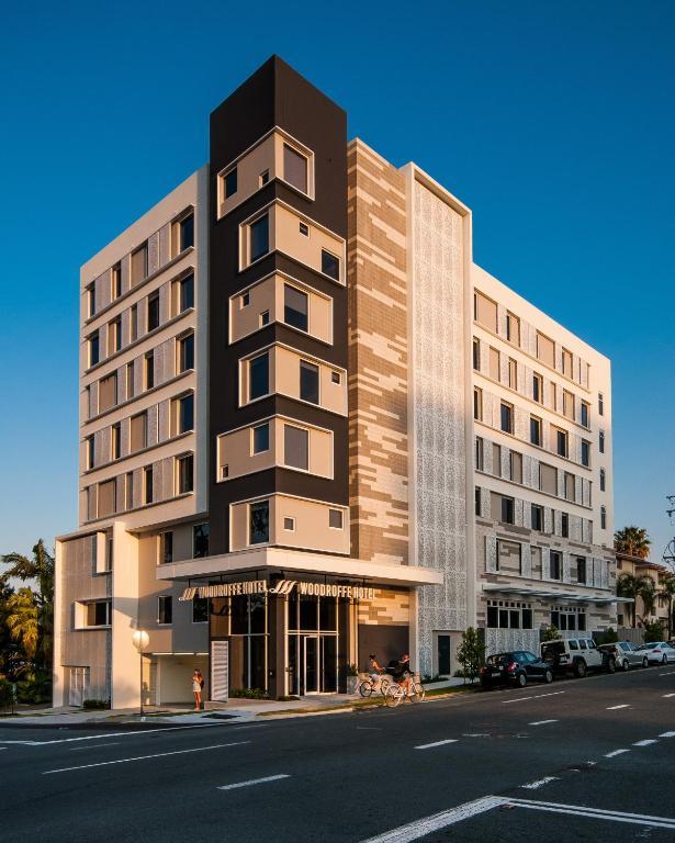 Woodroffe Hotel