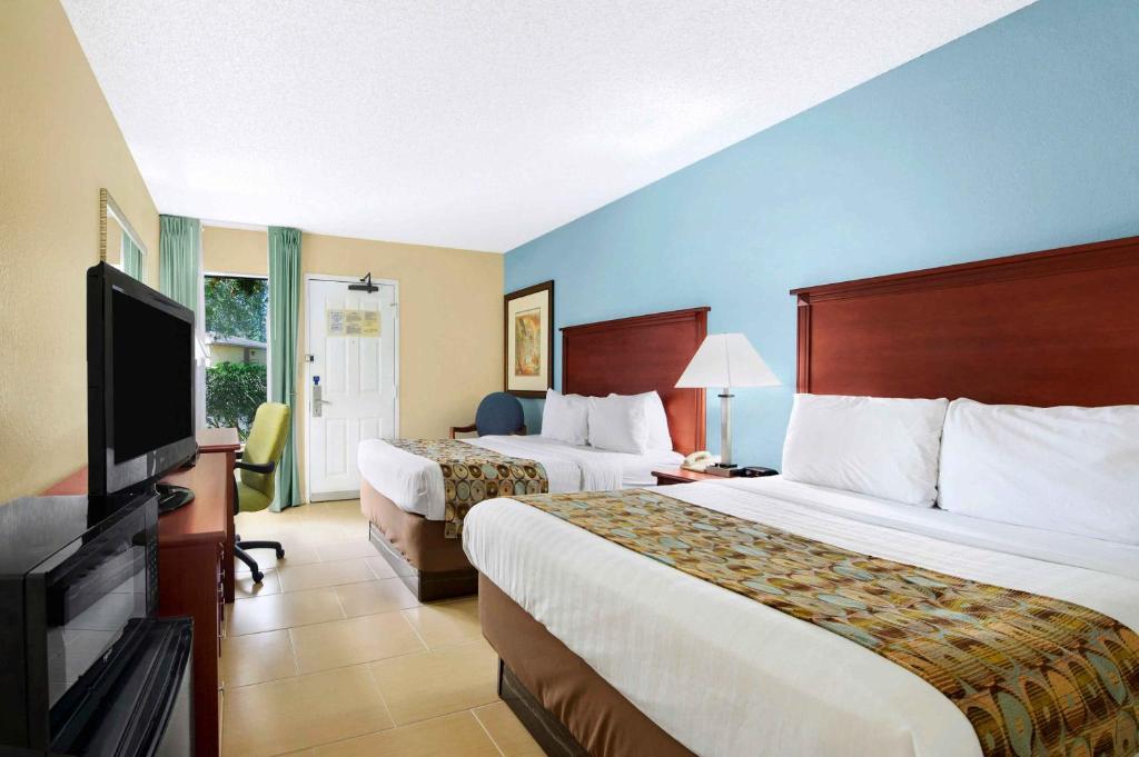 baymont by wyndham gainesville gainesville viamichelin. Black Bedroom Furniture Sets. Home Design Ideas