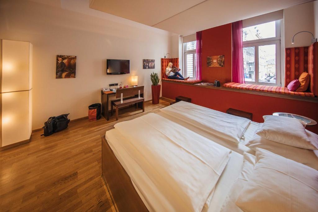 Hotel rathaus wein design wien informationen und for Design 8 hotel soest