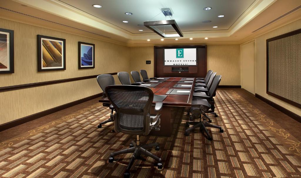 Embassy Suites Washington D.C. - at the Chevy Chase Pavilion Photo #5