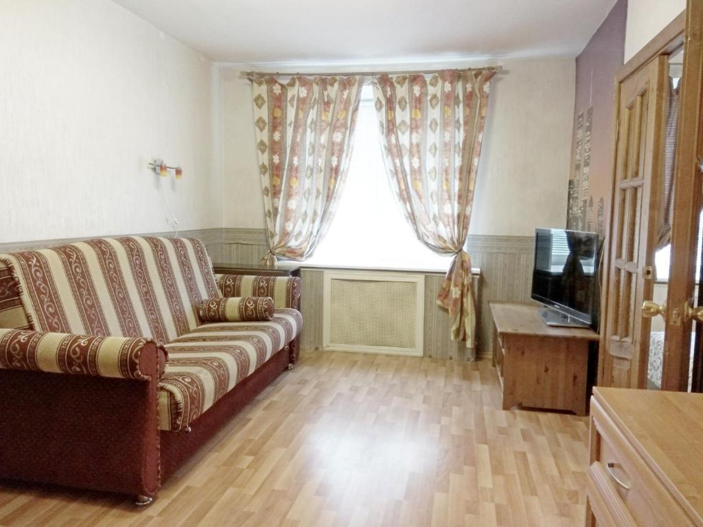 Apartment on Moskovsky 205