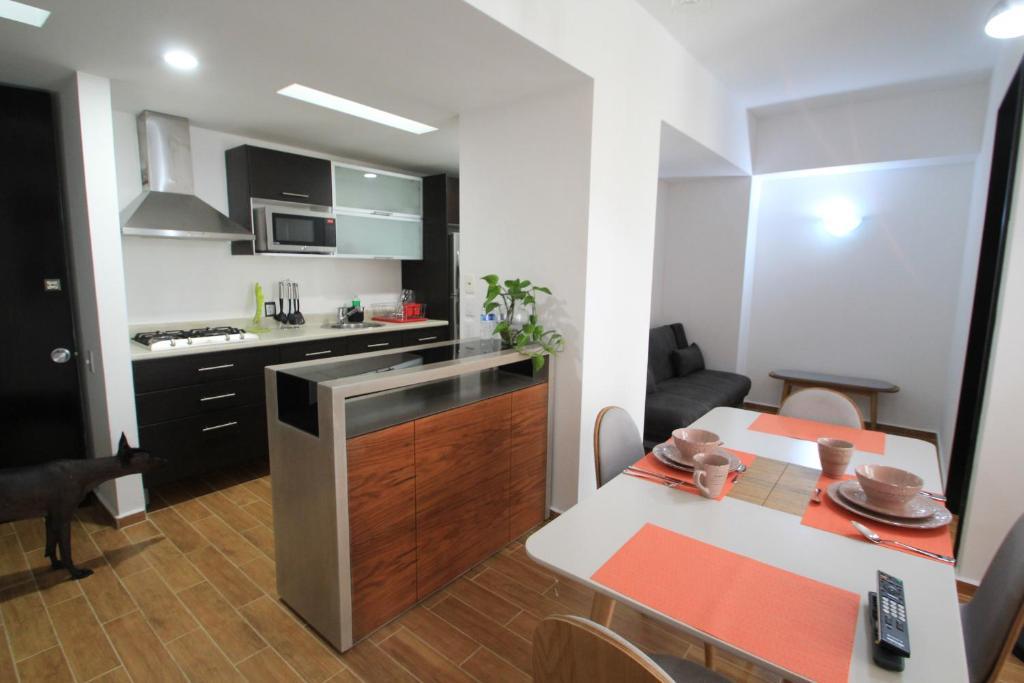Boutique Apartment 8 guest Downtown 1111
