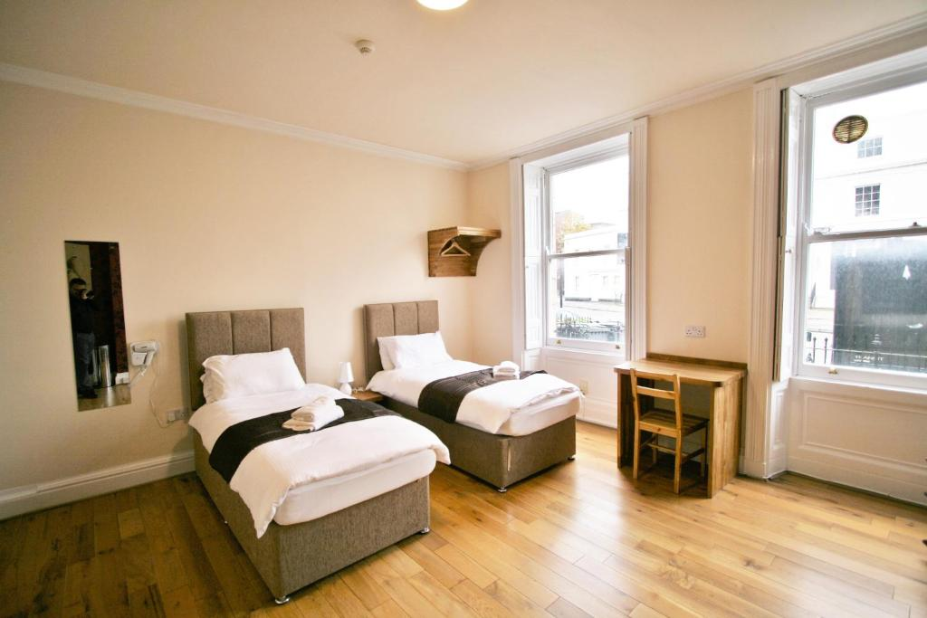 Central Studios Albion Street by RoomsBooked