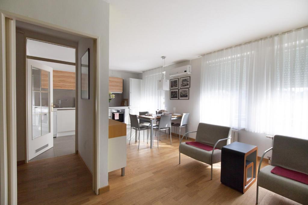 Apartment Eva Tour As