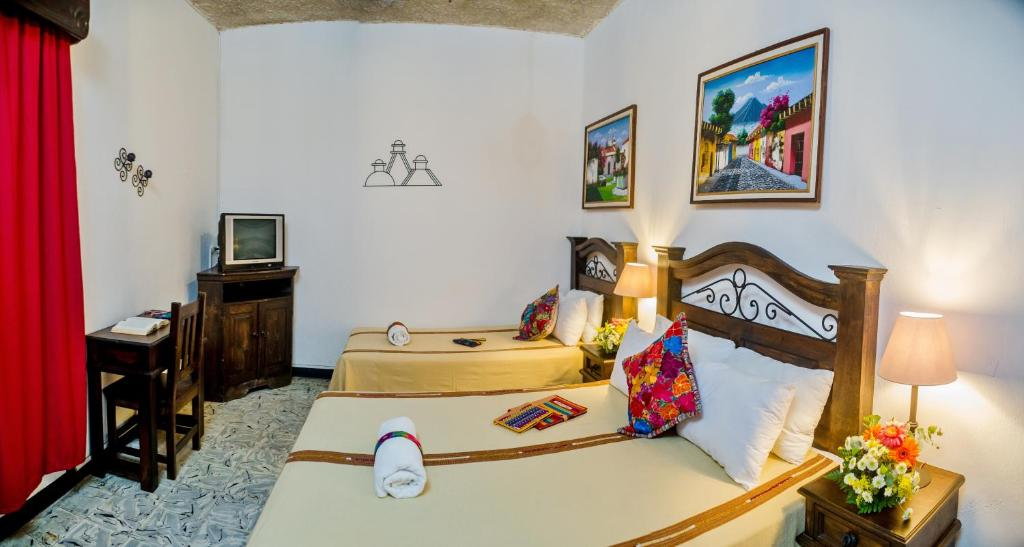 Double Room with Shared Bathroom Hotel Casa Rustica by AHS