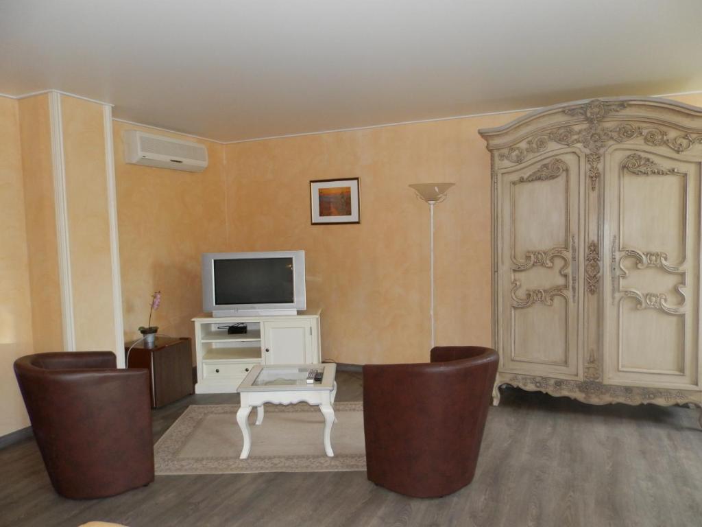 Hotel Des  Chateaux Vezac