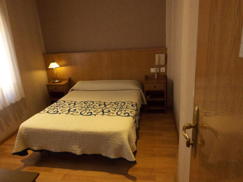 Single Room Hostal Orejas