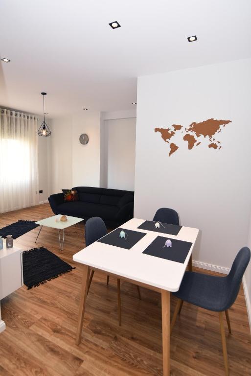 Skanderbeg Square Center Apartments