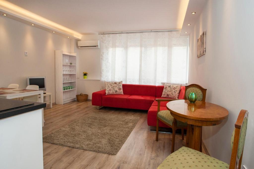 Ilona 2 bedrooms apartment in the center