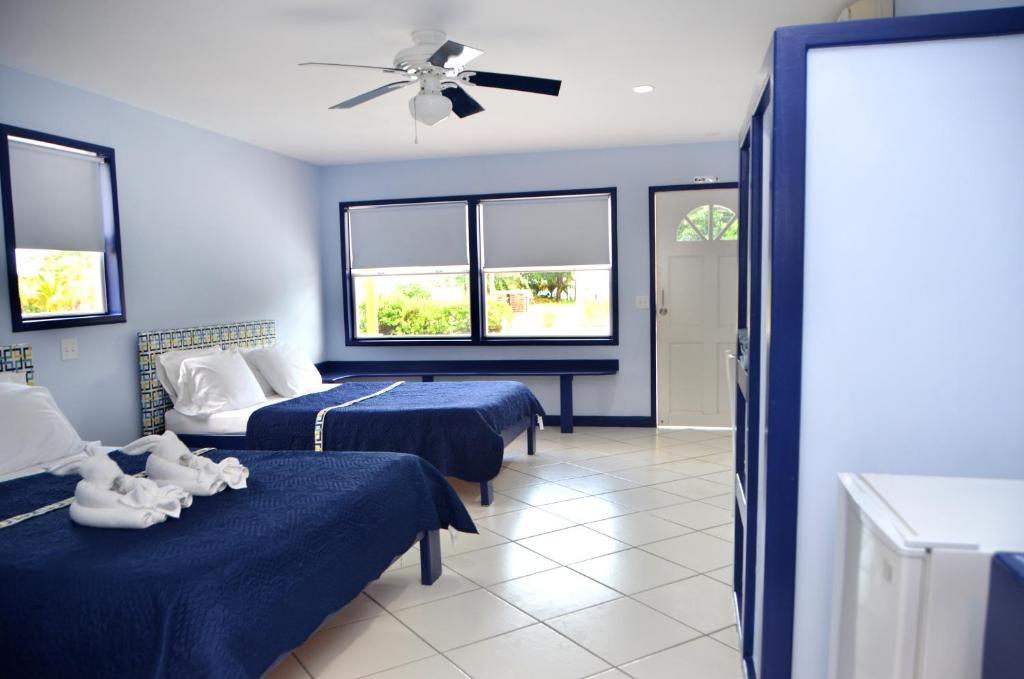 Suite met Queensize Bed en Uitzicht op Zee SailFish Resort