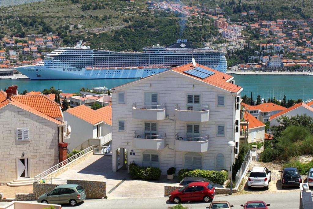 Apartments with WiFi Dubrovnik - 8565