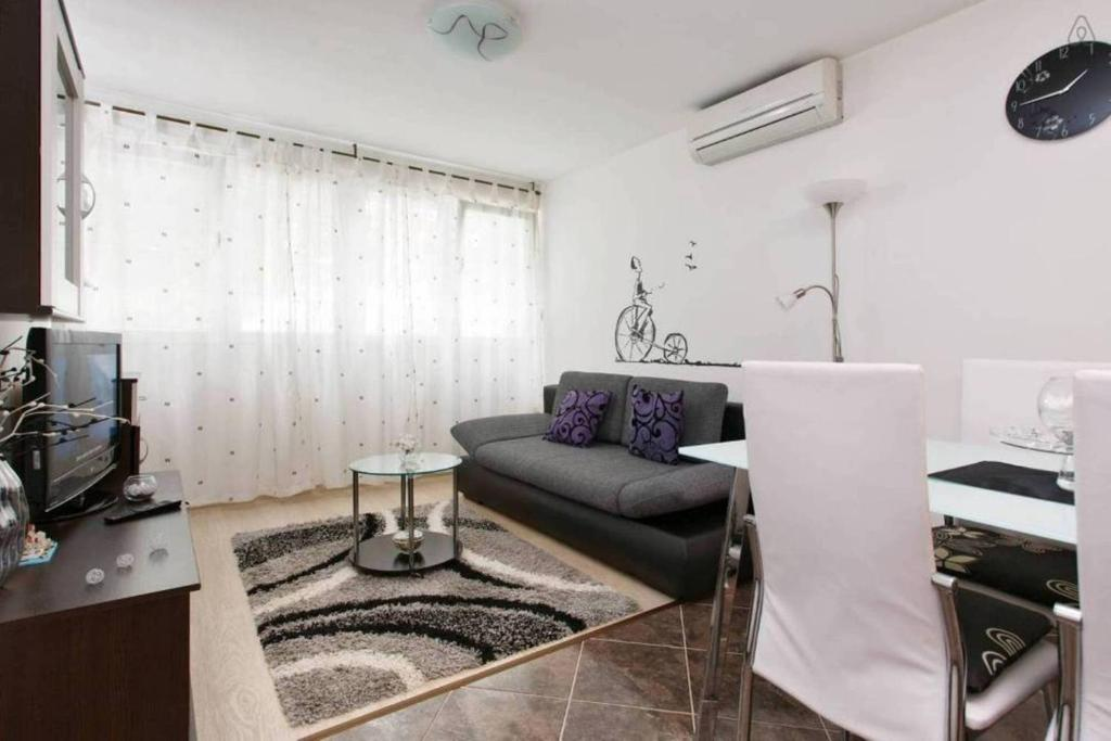 """Apartment STANIĆ - """"Home away from home"""""""