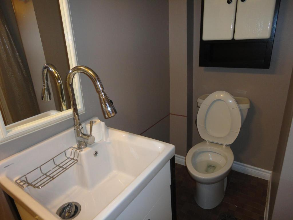 Single Room with Shared Bathroom - Basement Level