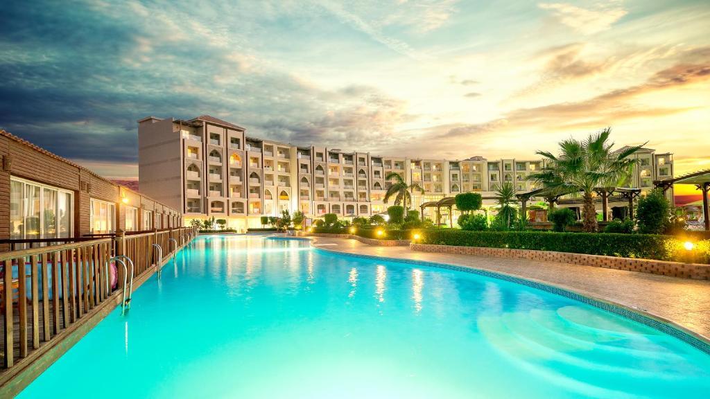 Hawaii Caesar Palace Aqua Park - Families and Couples Only