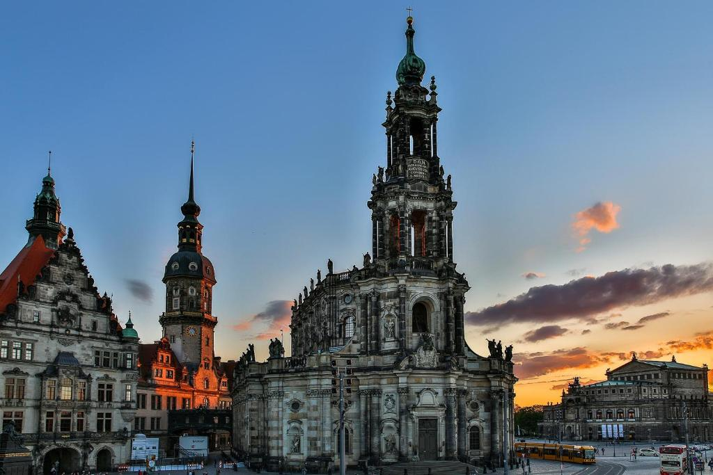 Hilton Dresden Restaurants Und Bars Dresden Ein Guide Michelin