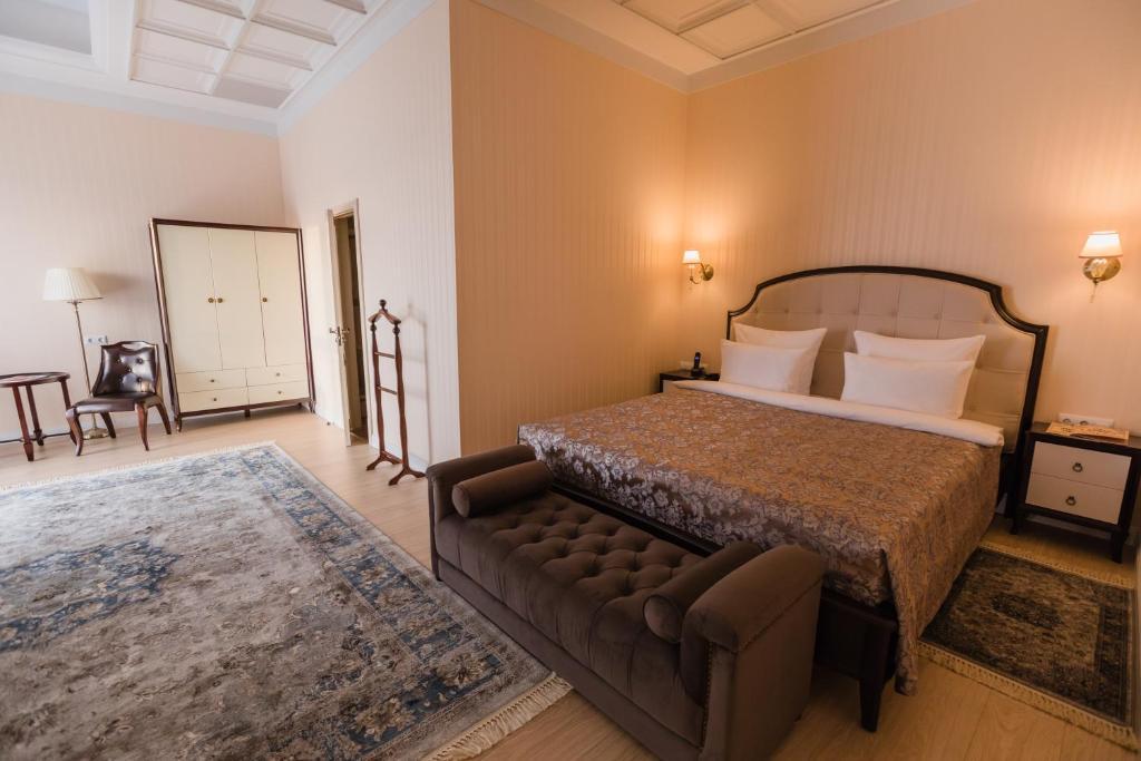 Vorobyovy Gory Hotel