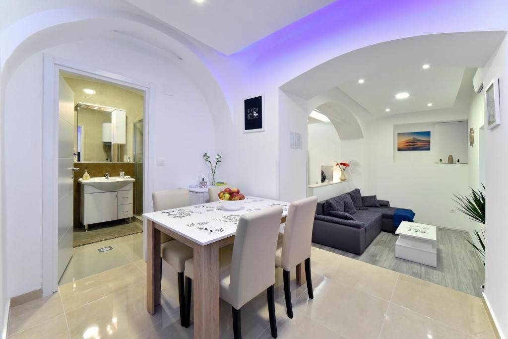 Apartment Frenki Tkalčićeva-self check in-