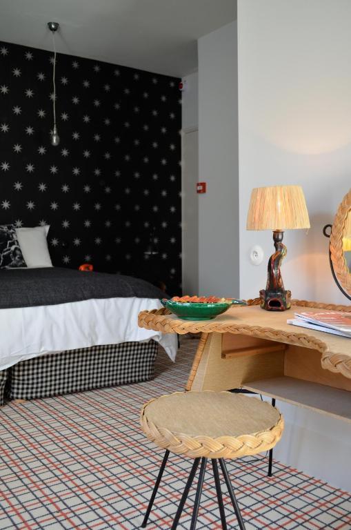 hotel les pilotes viamichelin hotel saint valery sur. Black Bedroom Furniture Sets. Home Design Ideas