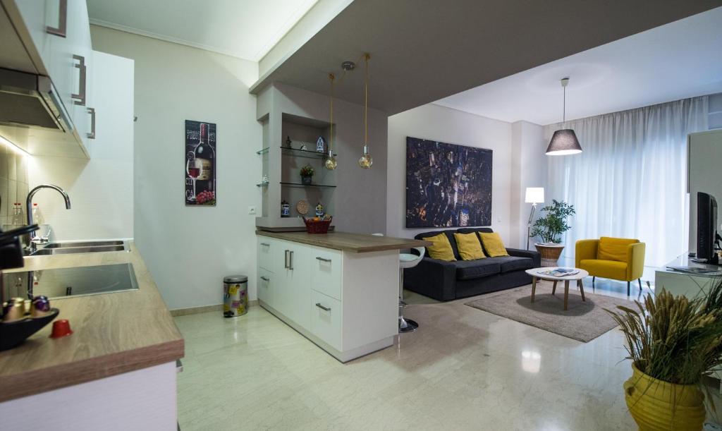 Acropolis Caryatids Apartment 1