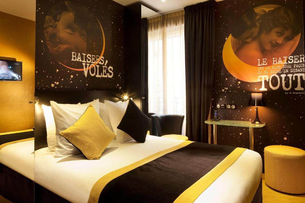 Caf Ef Bf Bd Service Hotel  Etoiles Paris