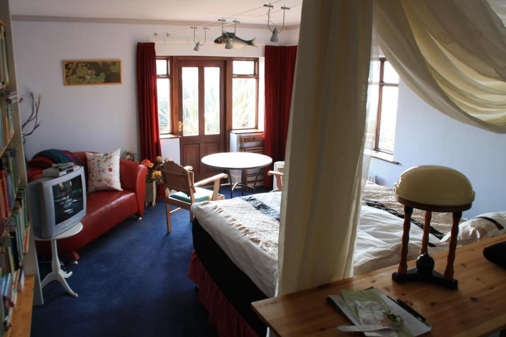 Double Room with Sea View Bleanaskill Lodge & Achill Secret Garden