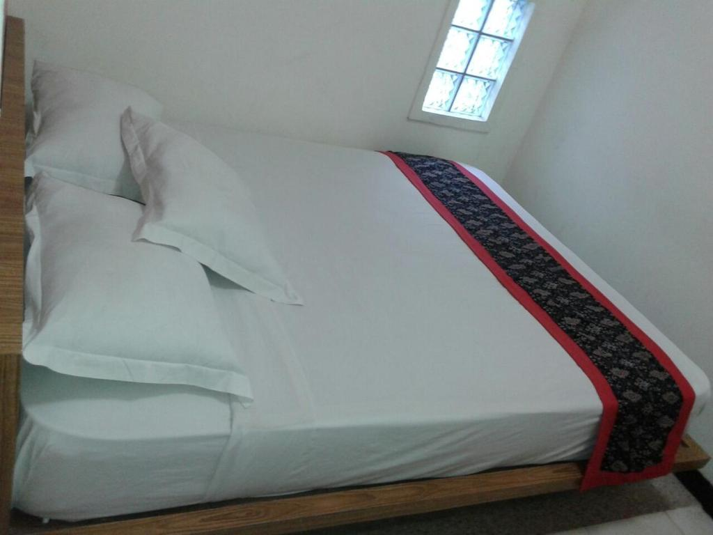 Small Double Room Rumah Tawa Guesthouse - 2