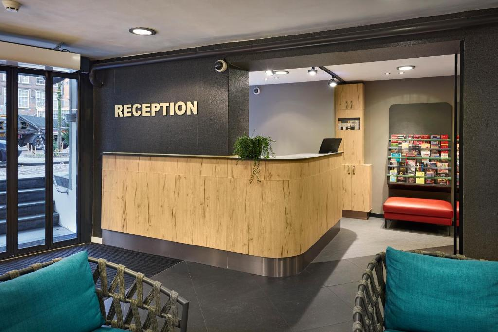 Star Hotels In Amsterdam With Smoking Rooms