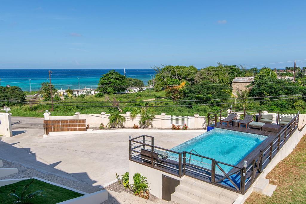 Luxury 2BR Home facing Beach w/Pool Montego Bay #5
