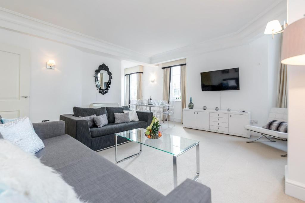 Outstanding Trafalgar Penthouse, sleeps 8