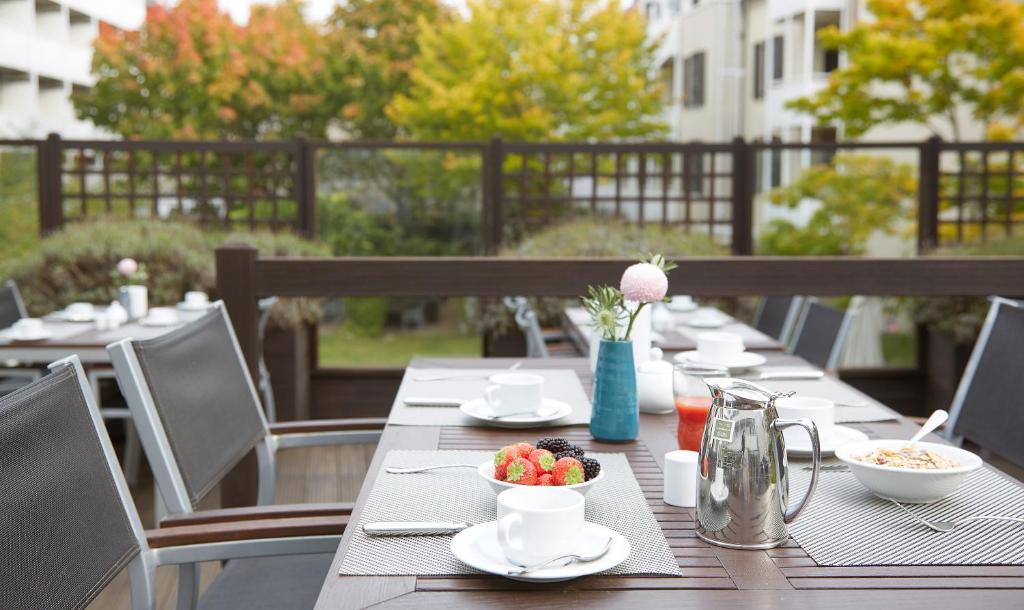 living hotel n rnberg by derag n rnberg viamichelin informationen und online buchungen. Black Bedroom Furniture Sets. Home Design Ideas