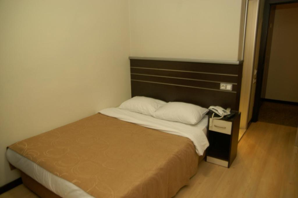 Standard Single Room Merdan Hotel