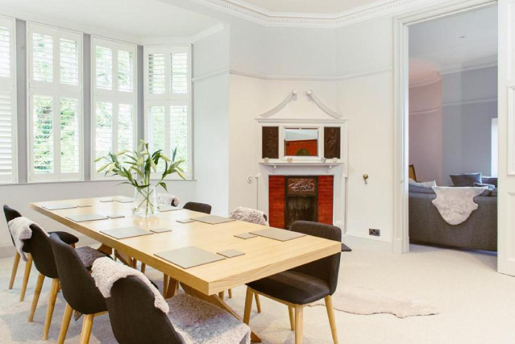 Ramsay Gardens - Grand 4-Bedroom Apartment Next To Castle