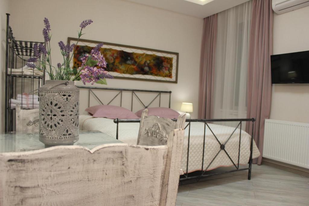 Centre Apartment on Rustaveli av.